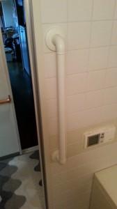 11_浴室内扉脇竪